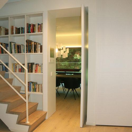 Hus interieur - Portfolio - maatwerk - Pivotdeur